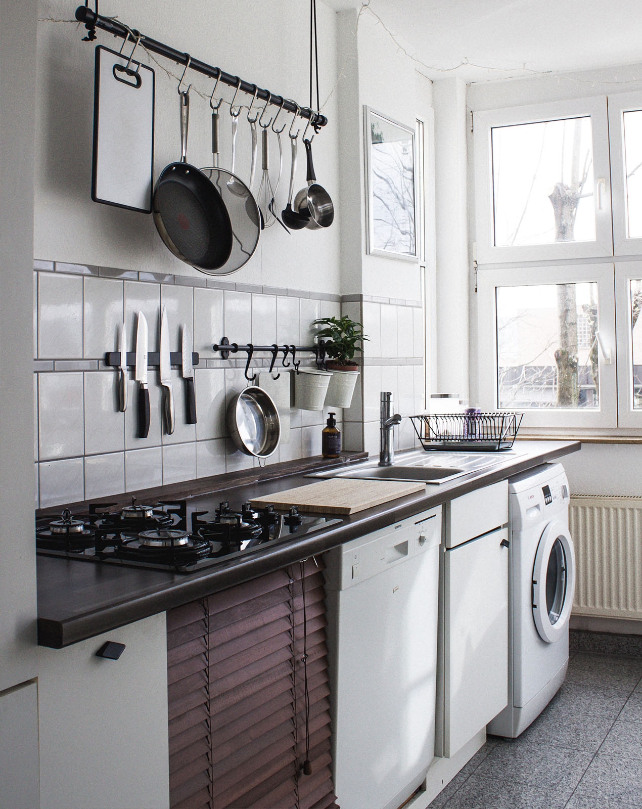 kitchen plumbing and gas appliances